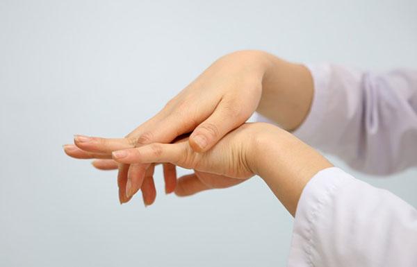 Tan mỡ vùng cổ & cánh tay